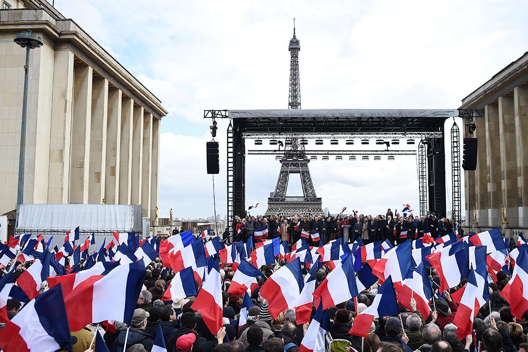 2017年3月5日,法國總統候選人弗朗索瓦-菲永在大雨中舉行競選集會。