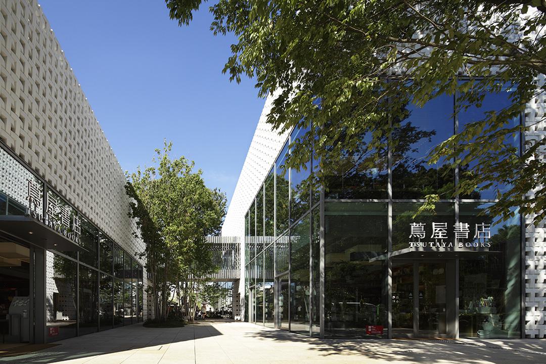 代官山 T-SITE 以「蔦屋書店」為核心,重新編輯書店的姿態。