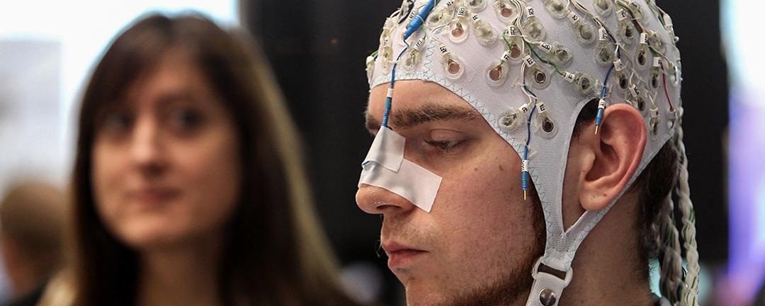 2010年的CeBIT資訊及通訊科技博覽會上已有腦機介面的展示。