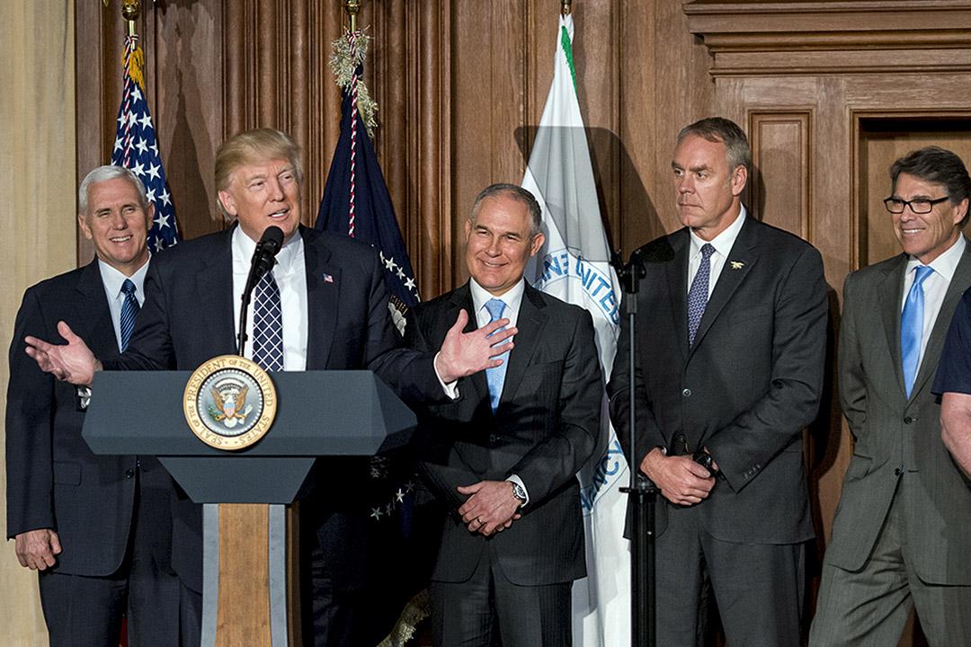 3月28日,特朗普簽署行政命令,廢除奧巴馬「清潔電力計劃」。