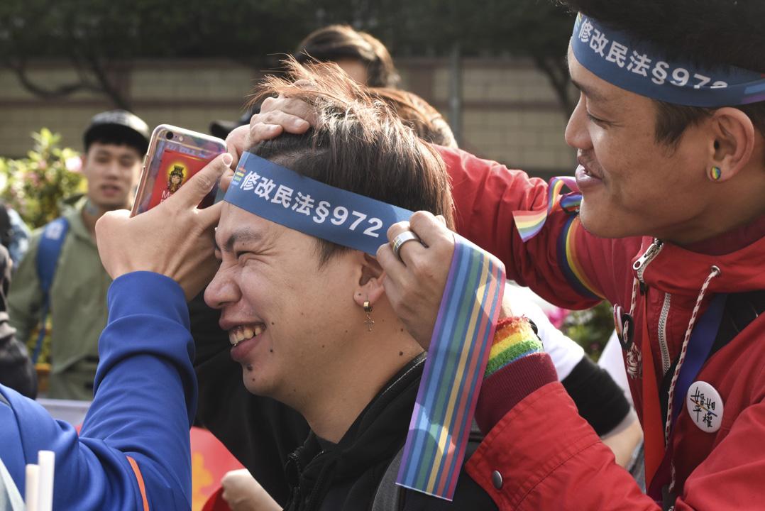 今天的同志婚姻憲法辯論,引發各界關注,有撐同志團體到場支持。