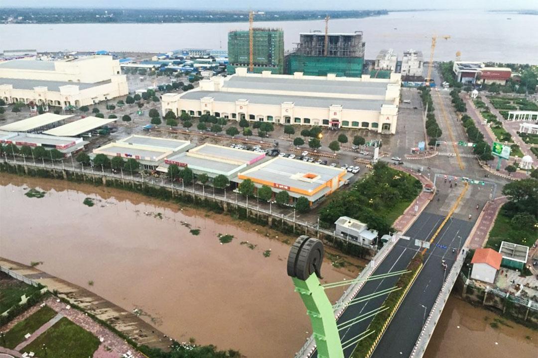 2004年3月,柬埔寨海外柬華投資公司(OCIC)宣布要在Koh Pich大興土木,原本的「貧民島」變成了外資口中的「鑽石島」。
