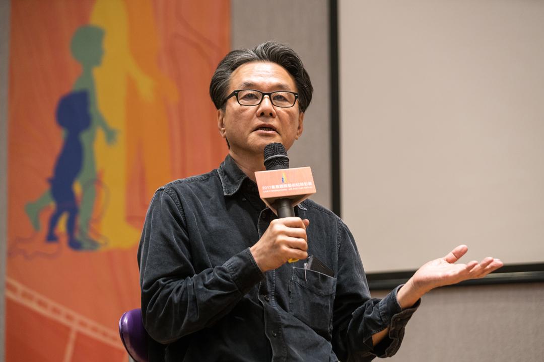 嘉義國際藝術紀錄影展藝術總監黃明川:「我們的內容雖是藝術紀錄片,但拍的仍是生命起落與難處。」