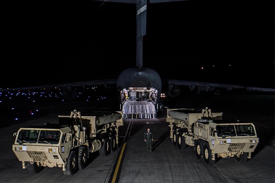 2017年3月6日晚,薩德反導系統的首批裝備抵達韓國。