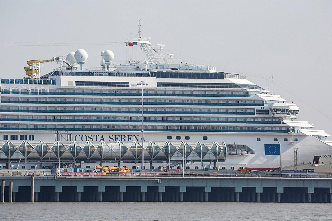 Costa Serena郵輪上的中國客人早前拒絕在濟州島下船。圖為2017年3月14日,該郵輪已返回中國上海五星口港。