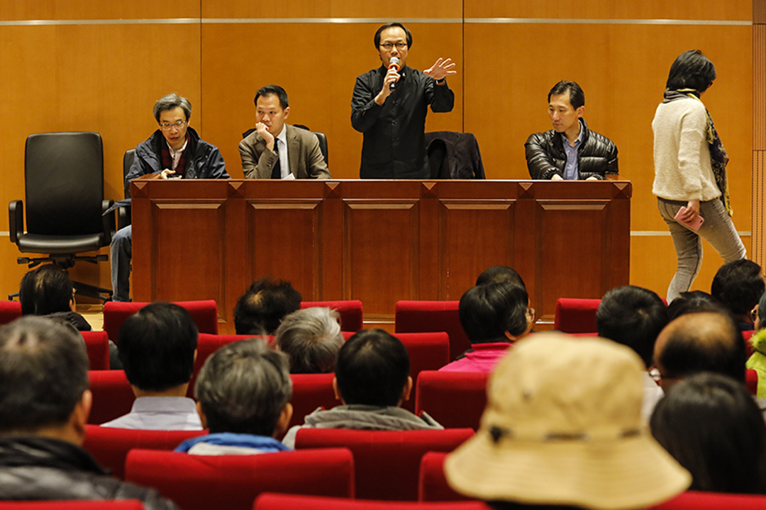 2017年2月11日,近100名民主派選委聚首香港大學開會,討論提名策略。