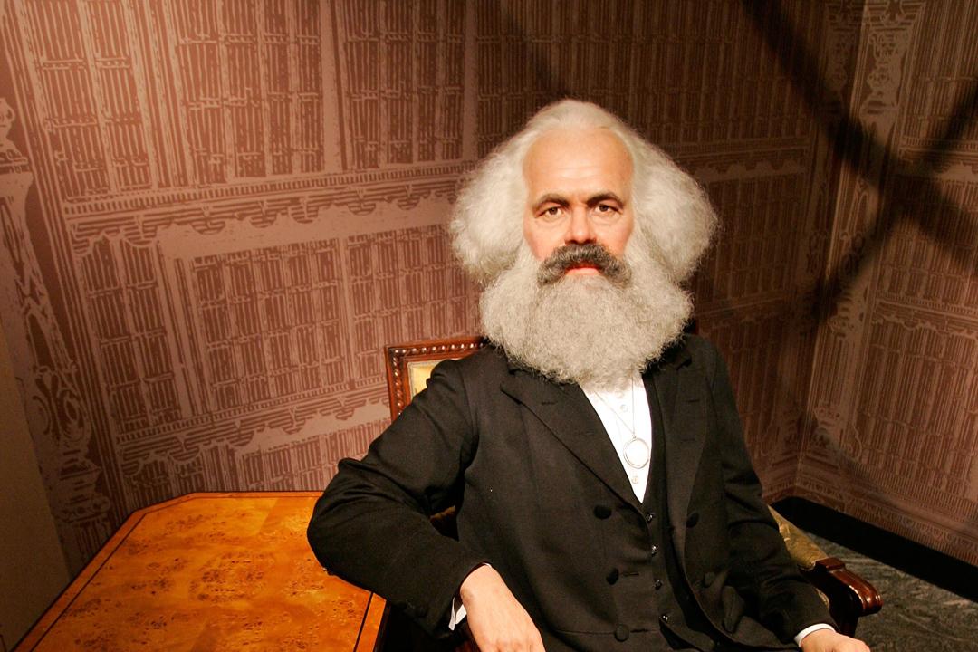 「馬克思,只是馬克思主義的起點,而不是它的全部。」所有試圖批判性地看待當今政治經濟現狀的嘗試,都是繞不開馬克思的。圖為杜莎夫人蠟像館柏林分館中的Karl Marx蠟像。