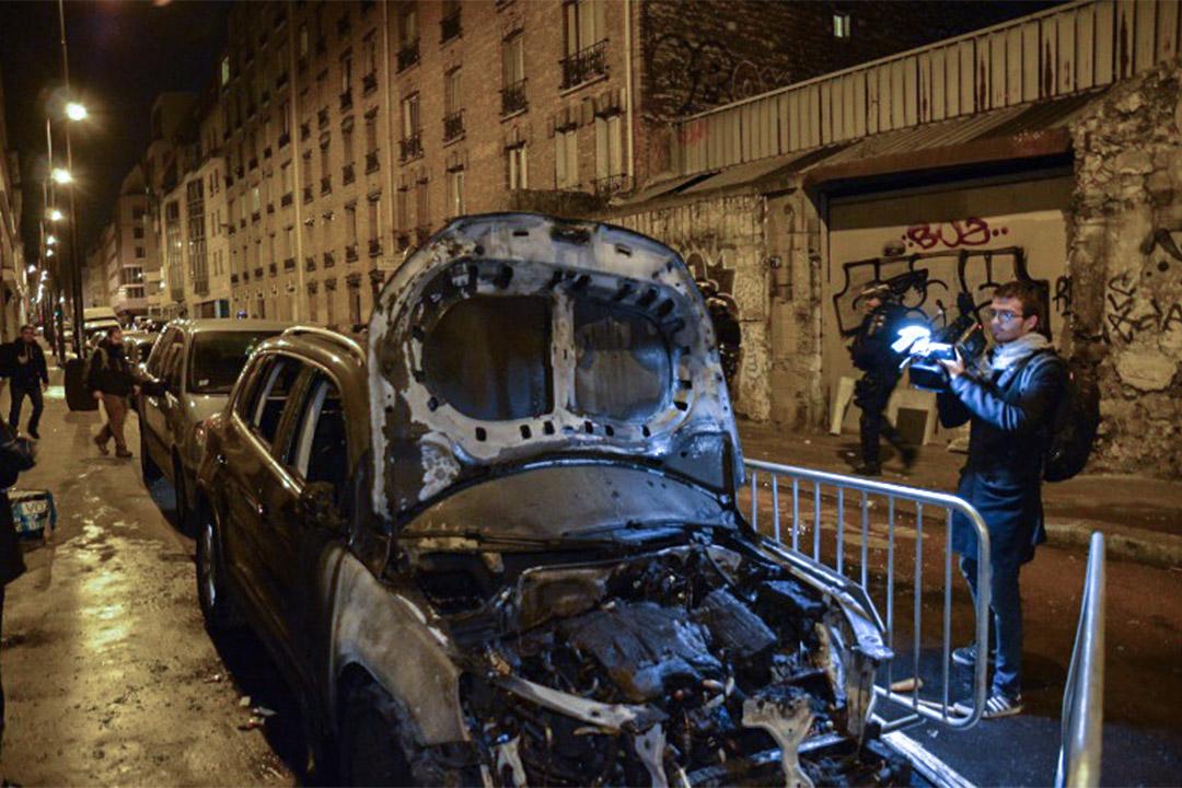 2017年3月27日,在法國巴黎,有中國僑民和警員懷疑發生衝突後被擊斃,事件引發巴黎亞裔居民抗議,有人放火燒車。