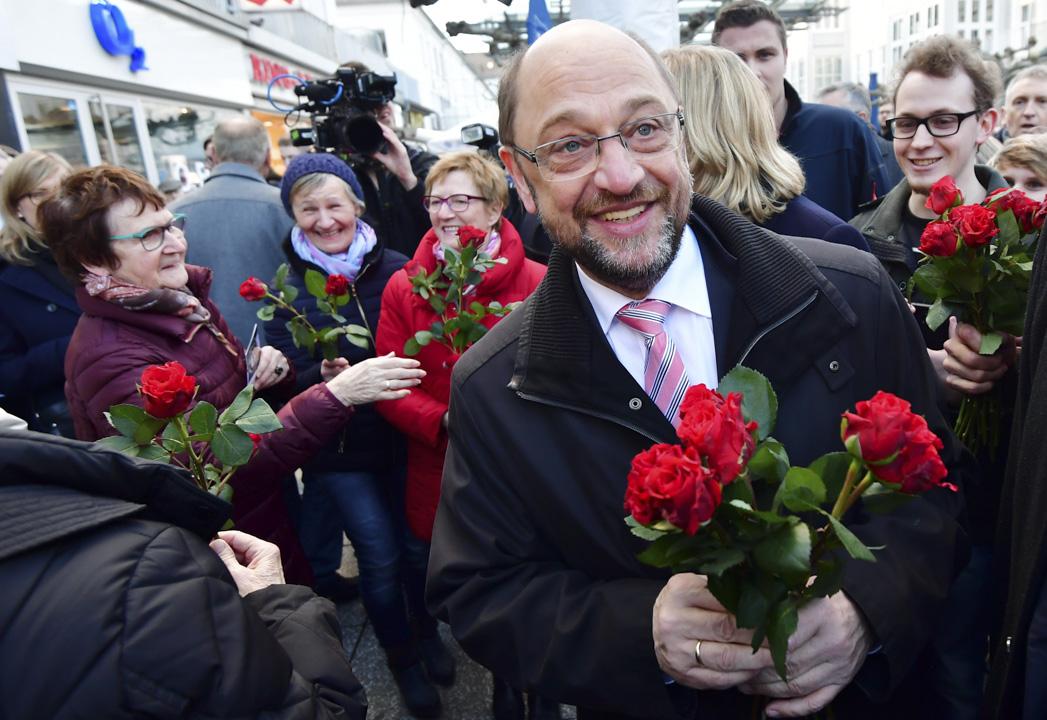 社民黨的舒爾茨人氣飆升:在他宣布競選後僅一週內,社民黨就在聯邦境內吸納了兩千八百名新黨員。