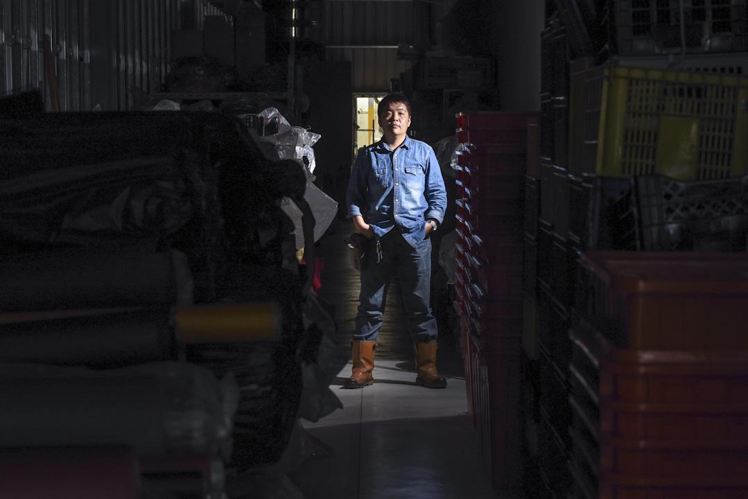 廣富號老闆李小柏認為紡織業為了只有兩種路,一種就是自己做品牌,另一種就是做高技術與高品質。