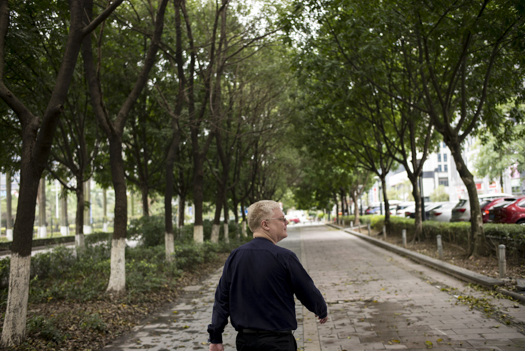 曾經在中國不同大城市生活的 John,卻始終不習慣它們的繁囂,最後選擇在較寧靜的東莞定居。