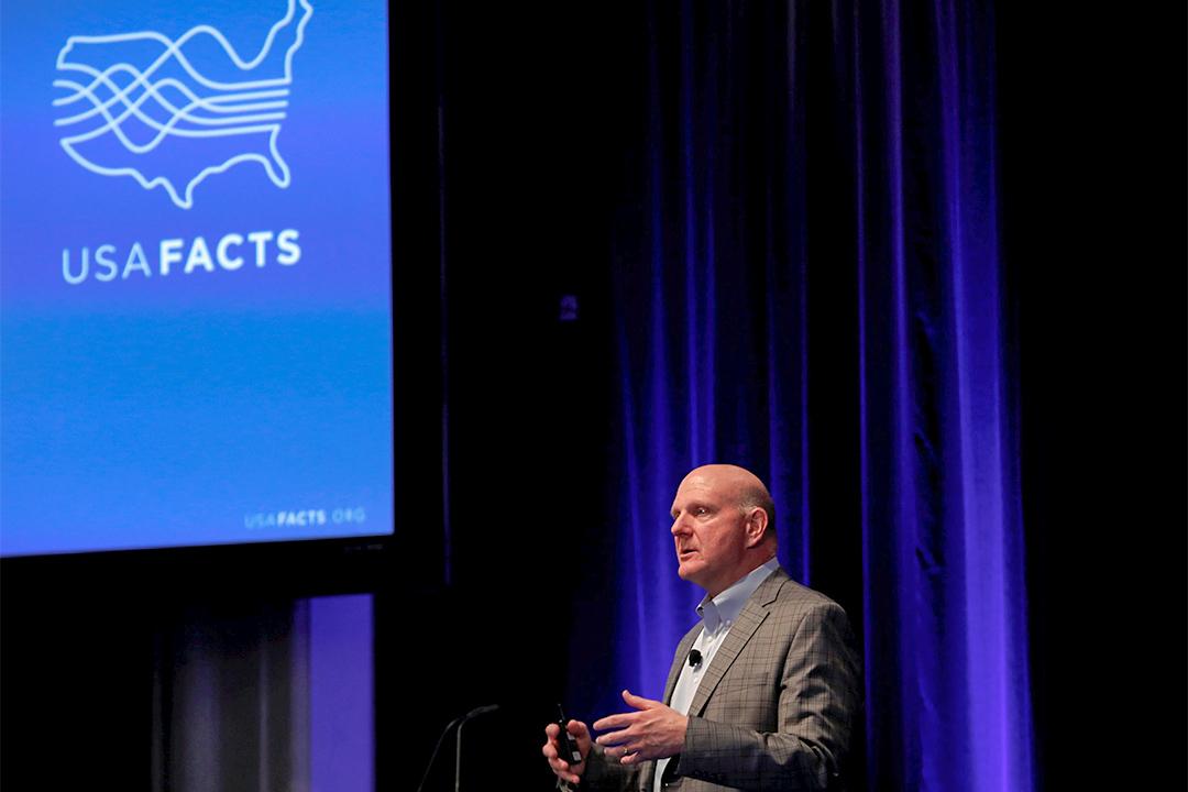 微軟前行政總裁史蒂芬·巴爾默(Steve Ballmer)推出 USAFacts 使政府收支透明化。