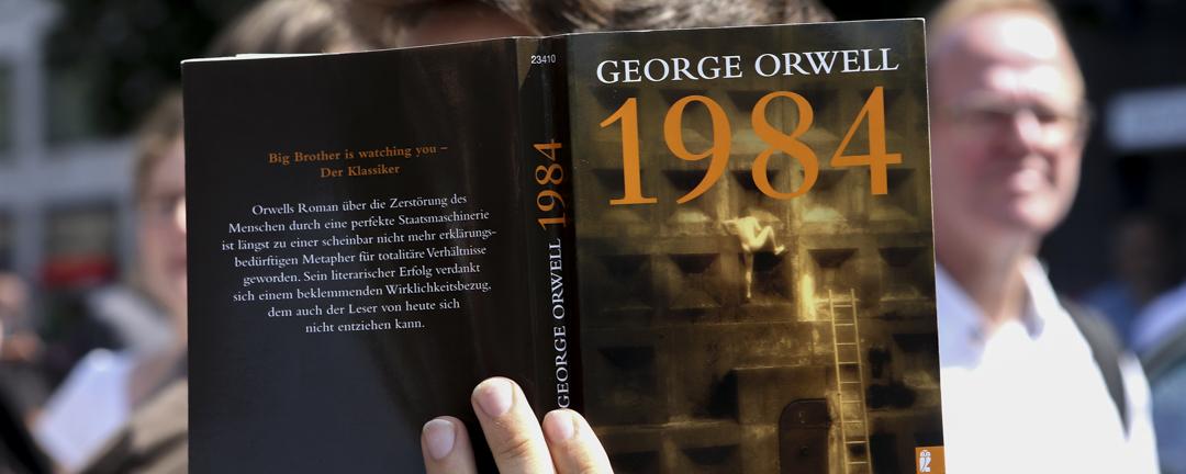 英国作家乔治欧威尔(George Orwell)的小说《1984》,出版70年后再度成为畅销书。