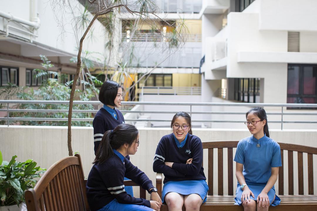 協恩綜合人文科科主任郭熹雯老師說:「有時候蠻驚訝15歲的同學夠把概念鑽得頗深。」