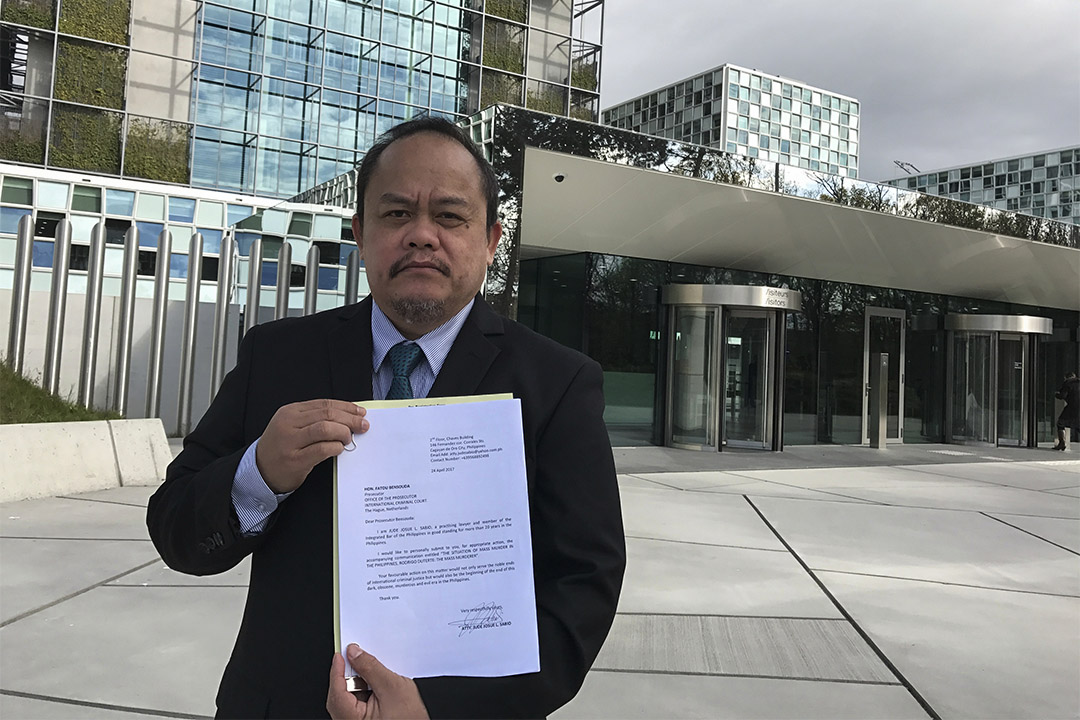 菲國律師(Jude Sabio)入稟告杜特爾特斥策動大屠殺。