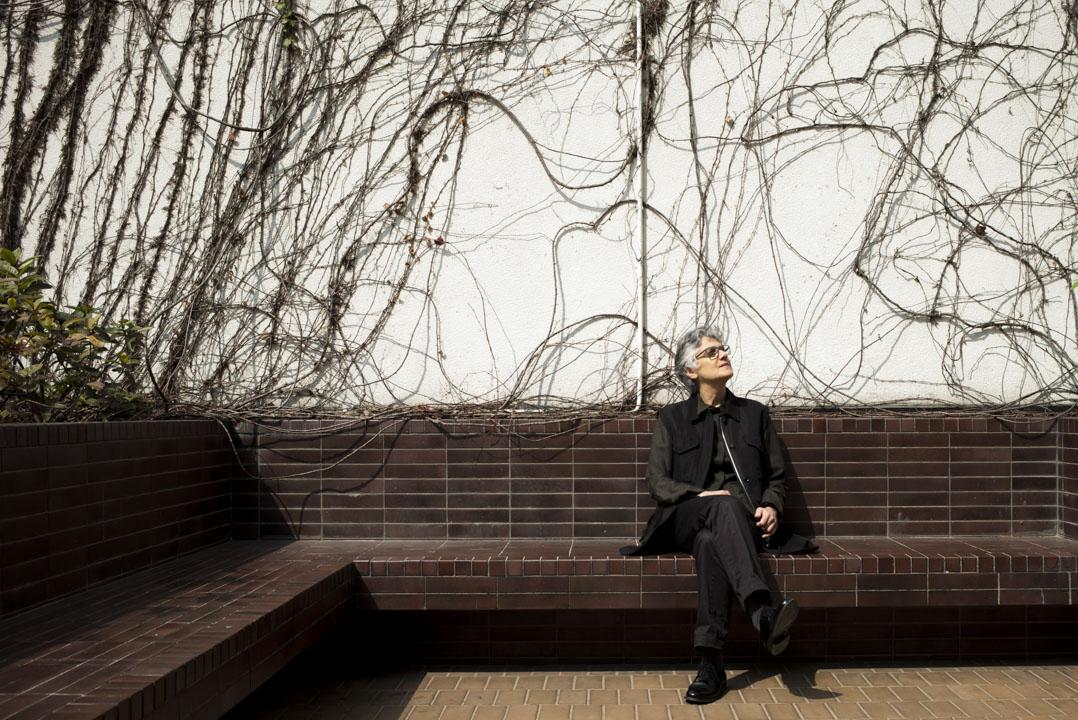 香港大學建築系主任Nasrin Seraji 認為,21世紀的香港可能需要更智能的建築,但更需要的是一個智能的程序。