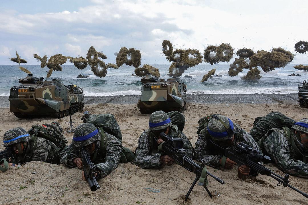 2017年4月2日,韓國海軍陸戰隊於南韓浦項與美軍聯合軍事演習,北韓批評南韓與美國舉行年度軍演,認為令兩國關係惡化。