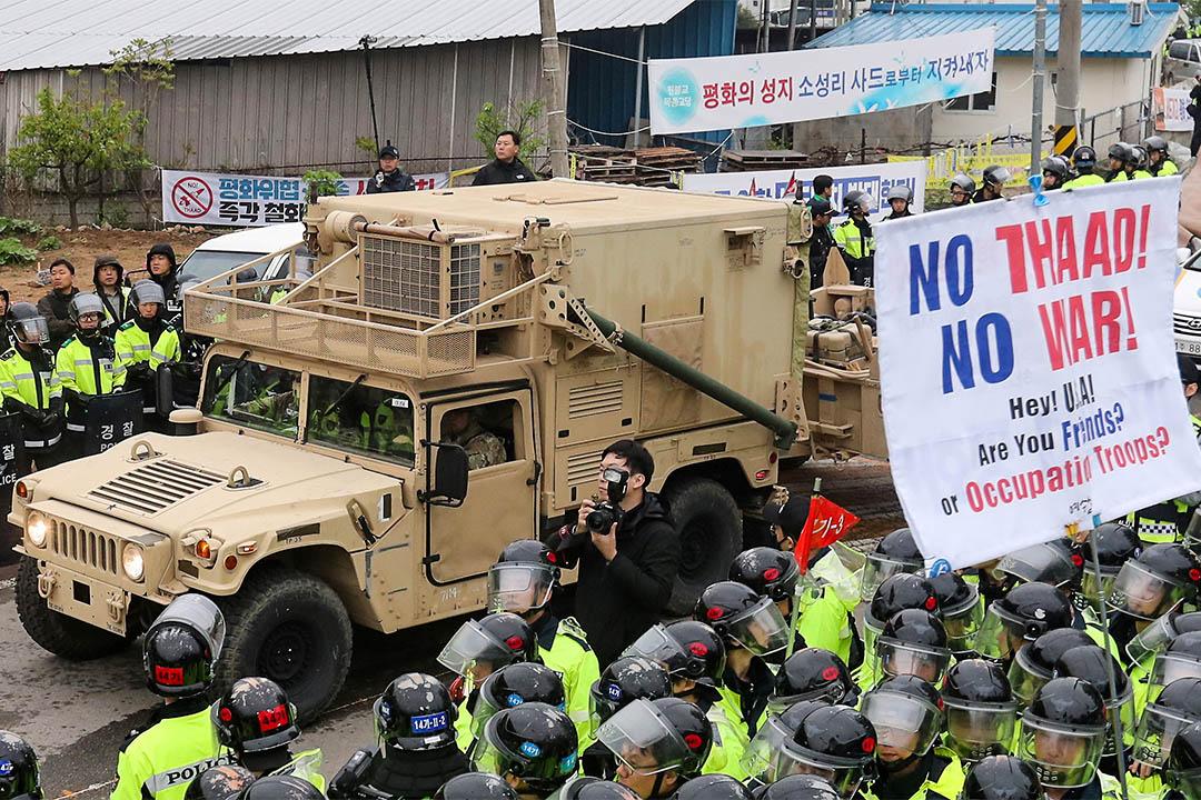 2017年4月26日,美軍抵達韓國星州,準備部署薩德。