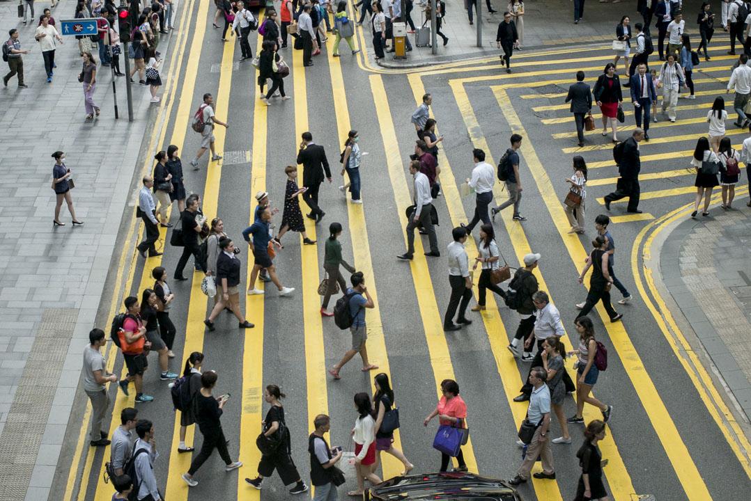 要推動香港的經濟及社會發展,人口政策就不應只着眼在年輕人或所謂勞動人口,更要着眼於人口政策怎樣為經濟帶來未來增長點,增加社會經濟的可能性。