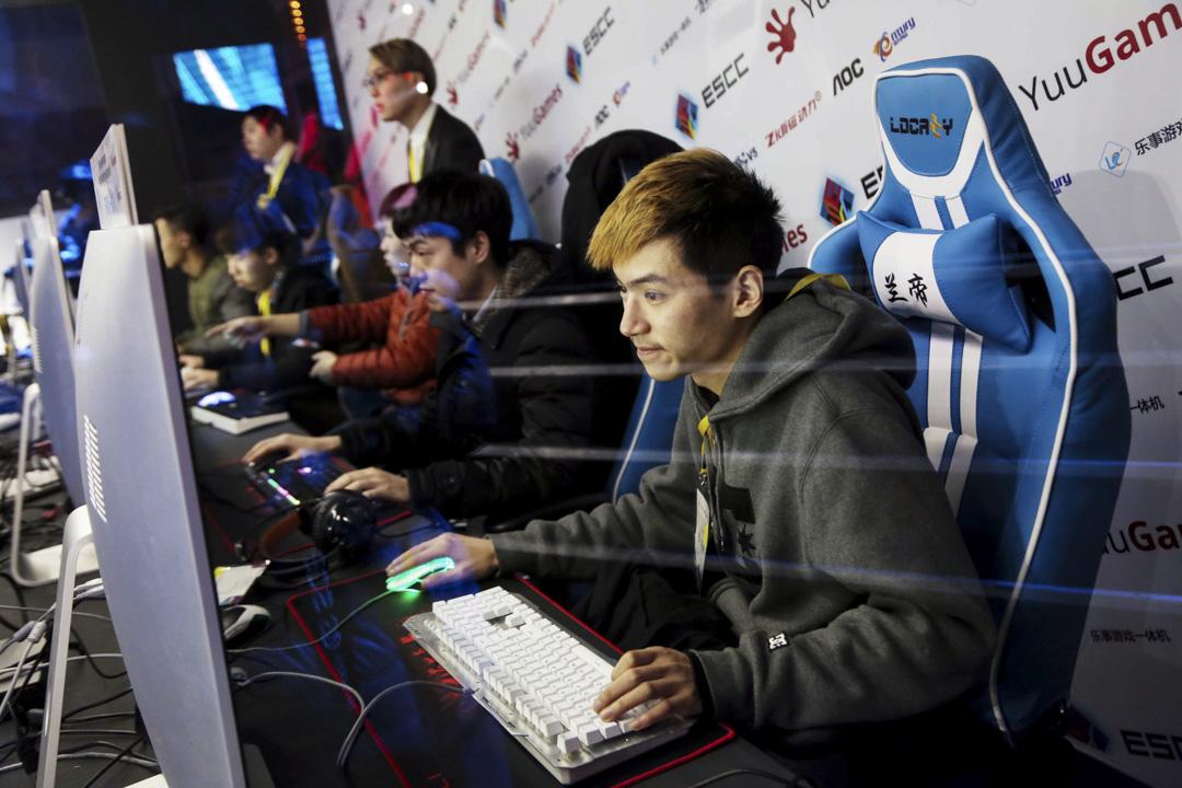 從2003年起,電子競技就是中國國家體育總局承認的競技項目。十幾年來,在中國的主流視野中,電子競技的大眾接受度也日漸提高。