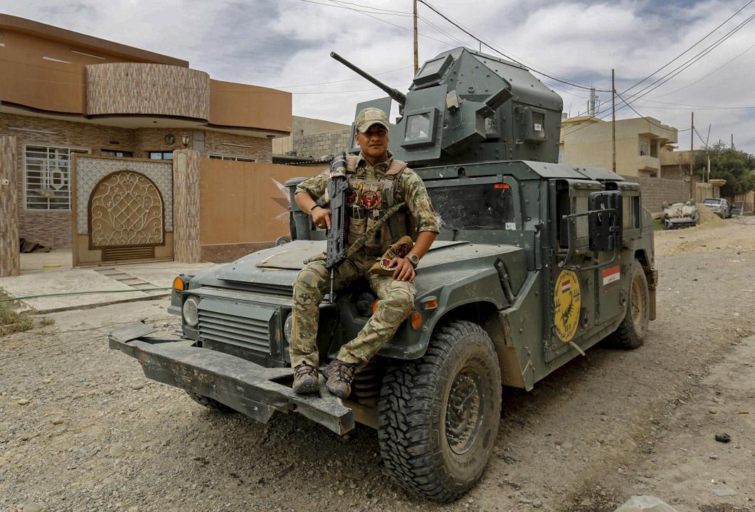 26歲的伊拉克應急部隊成員 Ali Bassem 說特朗普是位英雄,「他將『伊斯蘭國』武裝份子趕出伊拉克,跟伊拉克國民像兄弟般合作。」