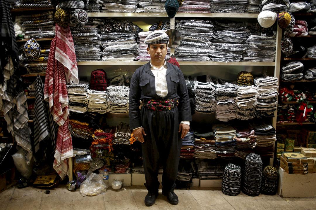 35歲的手工藝品銷售員 Hidaya Muhyiddin 說「特朗普需儘快為正受壓迫的庫爾德族人作出決策。」Muhyiddin 說美國有權從武裝和經濟上支援他們,「不單止是協助敘利亞境內的庫爾德族人,而要協助所有在庫爾德族地區的人。」
