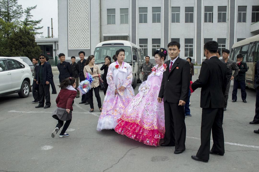 旅行團所拍攝的北韓正舉行婚禮當天的畫面。 圖片來源:GLO Travel