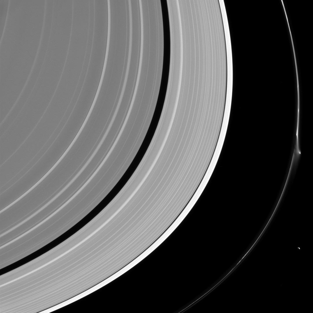 2016年4月8日,土星的F環被打斷了。