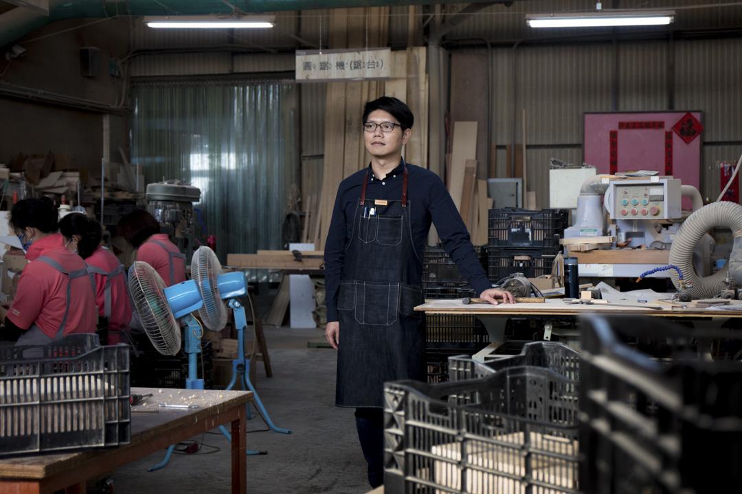 周信宏十年前將工廠改造為體驗空間,創立「木匠兄妹」,有DIY木工教學,亦兼營木製商品。