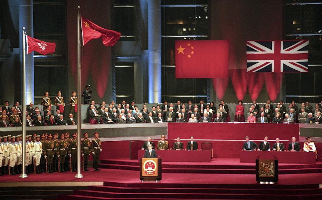 1997年7月1日,香港政權交接儀式會場。 攝:Torsten Blackwood / AFP