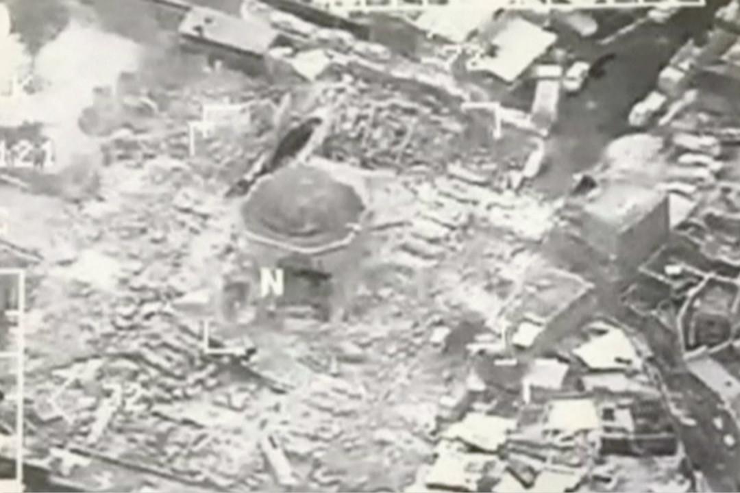 6月21日,伊拉克摩蘇爾地區努里清真寺被炸毀。 來自:Reuters TV