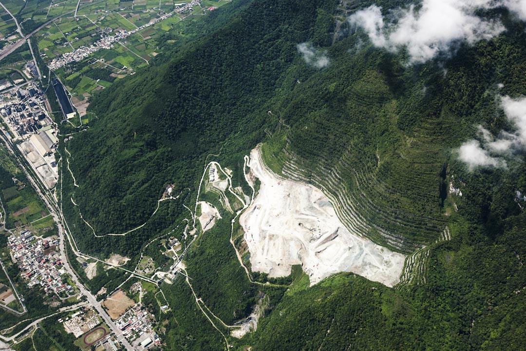 亞洲水泥太魯閣礦區。 圖片來源:齊柏林/台灣蠻野心足生態協會
