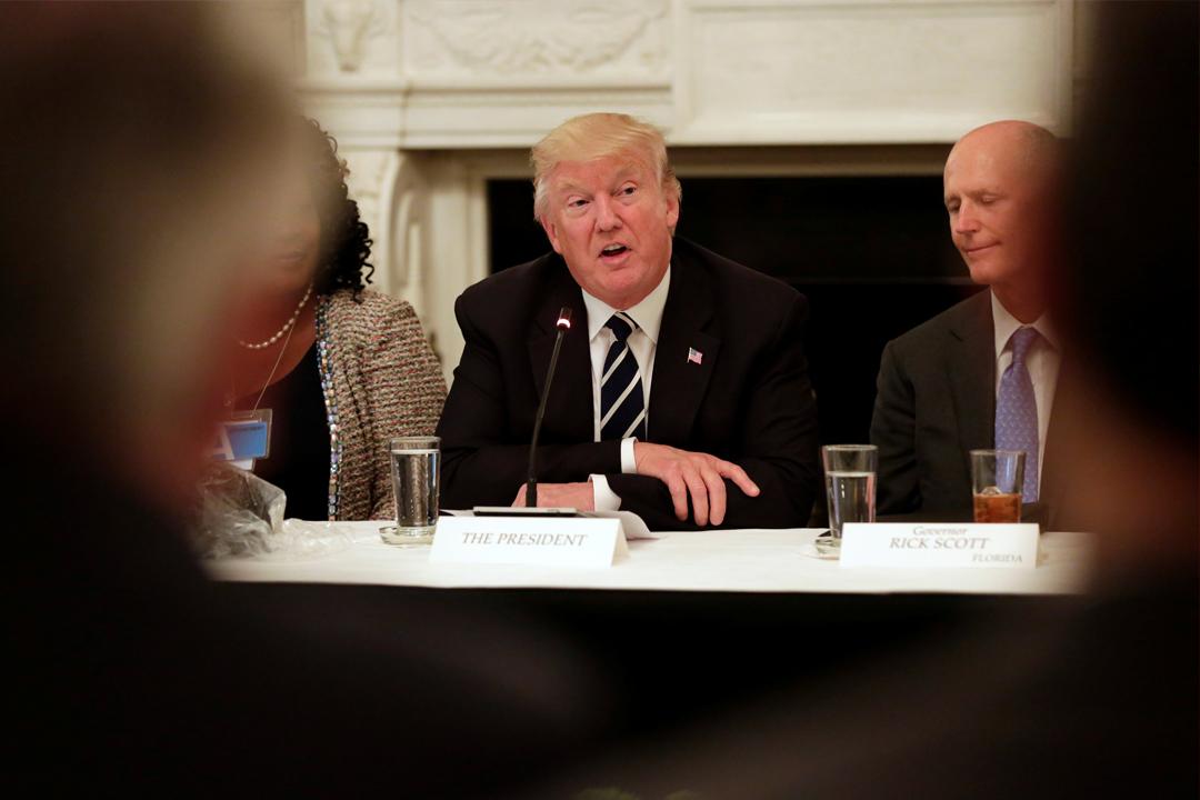 上任美國總統未夠半年,特朗普被指涉嫌妨礙司法公正,甚至可能正被調查。 攝:Yuri Gripas/Reuters
