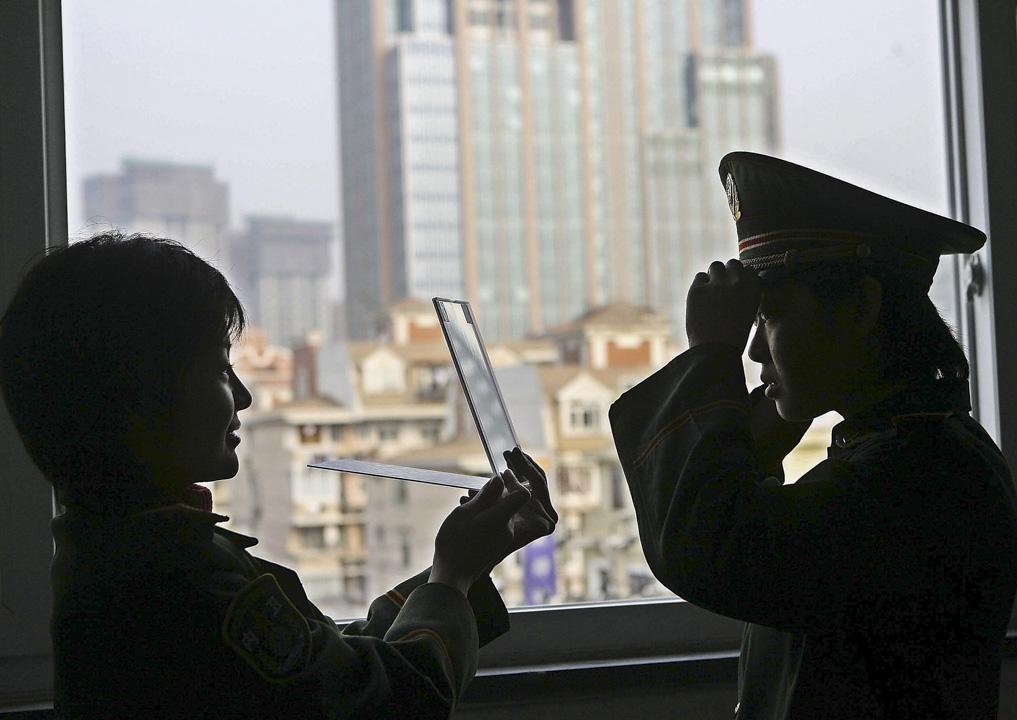 你喜歡現在的自己嗎?你是否變成了曾經不喜歡的模樣? 攝:China Photos/Getty Images
