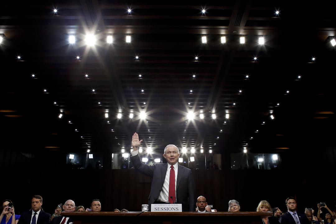 美國司法部長塞申斯(Jeff Sessions)出席參議院聽證會。