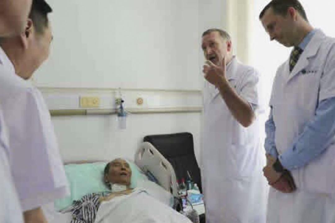 一名德國和一名美國醫學專家於7月8日在遼寧瀋陽參加對諾貝爾和平獎得主劉曉波的會診。