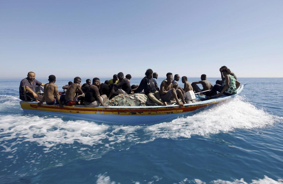 2017年7月8日,一群難民被利比亞海警救起,送返的黎波里東部的Gharaboli登陸上岸。