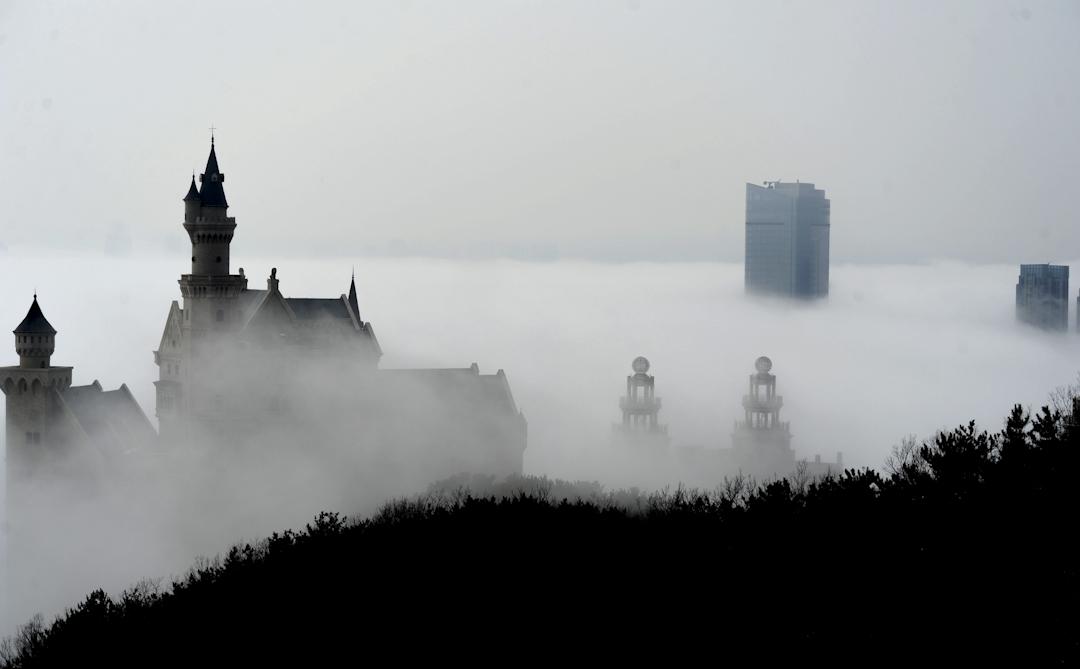 2016年3月,春天,中國大連市的霧景。 攝:VCG/VCG via Getty Images