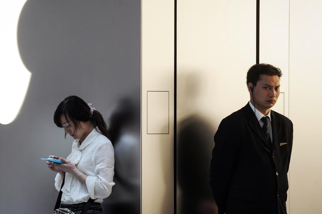 中國工信部近日否認已通知三間運營商於明年2月1日前屏蔽個人 VPN 訪問,但網民稱自己所用的VPN服務失靈的聲音卻不絕於耳。 攝:Peter Parks/AFP/Getty Images