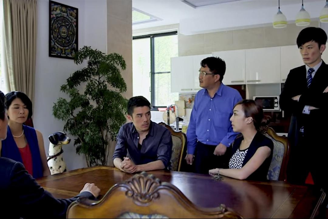 《台北物語》,最引起眾人注目與討論的,是電影奇特的拍攝手法,其中會叫的陶瓷狗,成為網友熱議焦點。