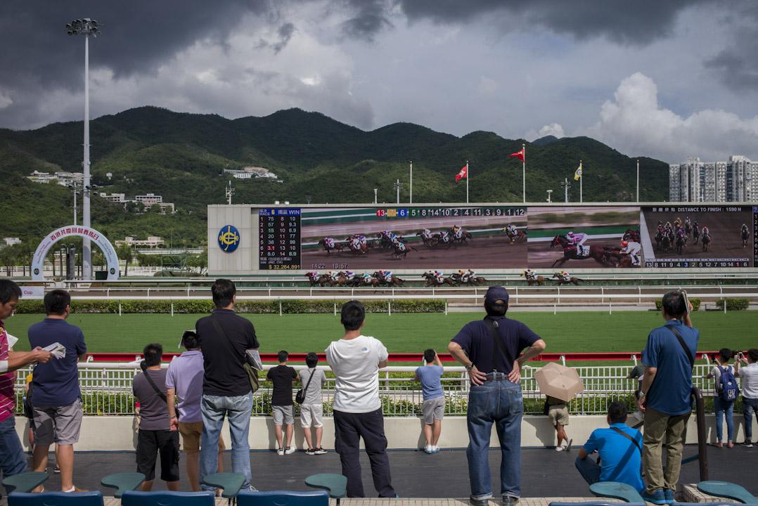 2017年7月1日,香港沙田馬場正舉辦「香港共慶回歸賽馬日」。