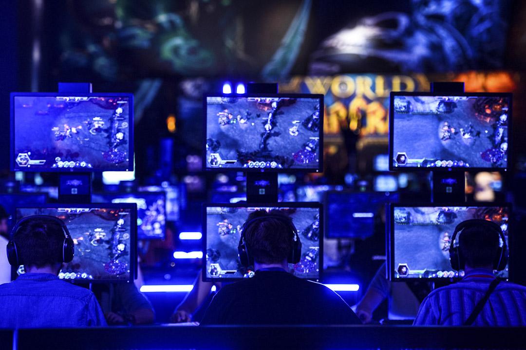 2015年,心理學教授基斯杜化費格遜撰文,批評媒體導致民眾對電玩遊戲的道德恐慌。