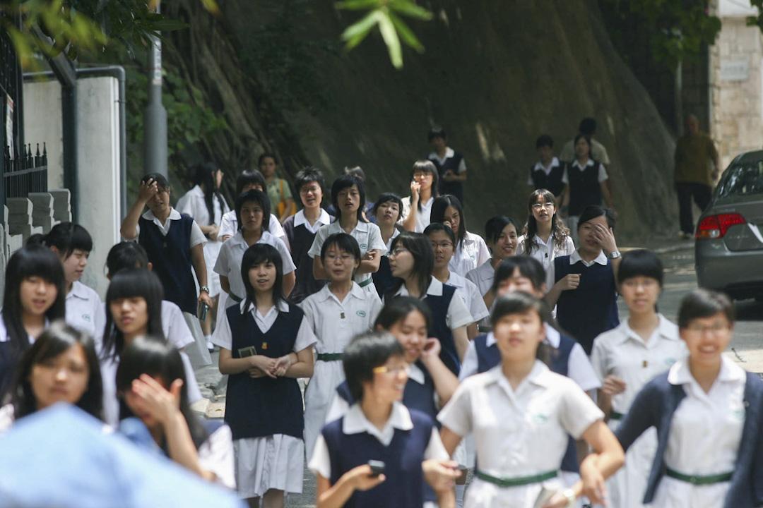 香港中學文憑試(DSE)將於明天(7月12日)放榜,逾6萬考生將迎接文憑試的成績單。 攝:Imagine China
