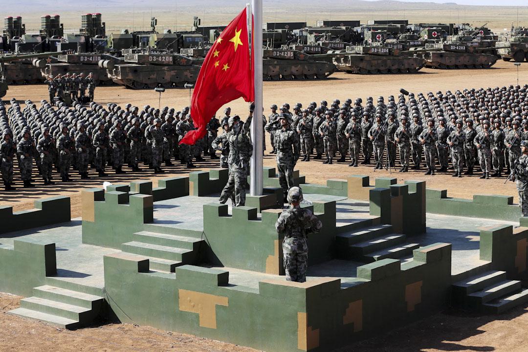 2017年7月30日,慶祝解放軍建軍90周年閱兵在內蒙古朱日和訓練基地進行。 攝:China Daily via Reuters