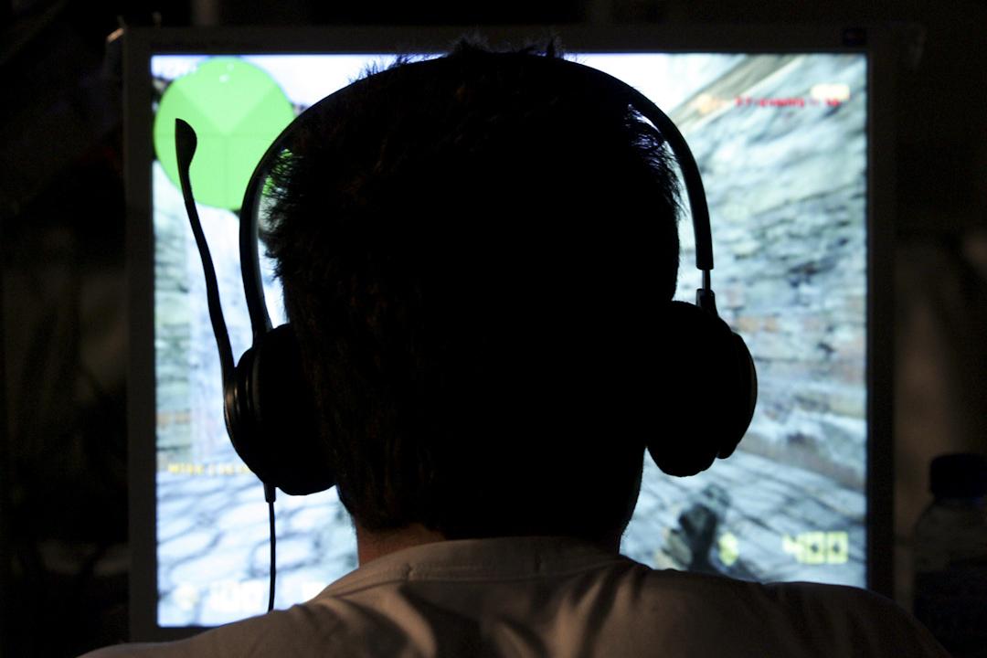 受僱打遊戲或是受僱在遊戲中出賣勞力,兩者並沒有經濟學意義上的區別,本質上都是為他人提供服務並收到相應的回報。
