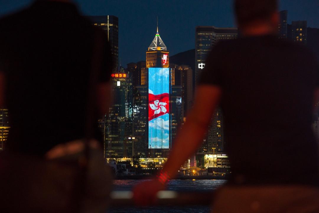 你又會怎麼評價,這場令人矚目了20年的一國兩制實驗? 攝:Anthony Kwan/Bloomberg via Getty Images