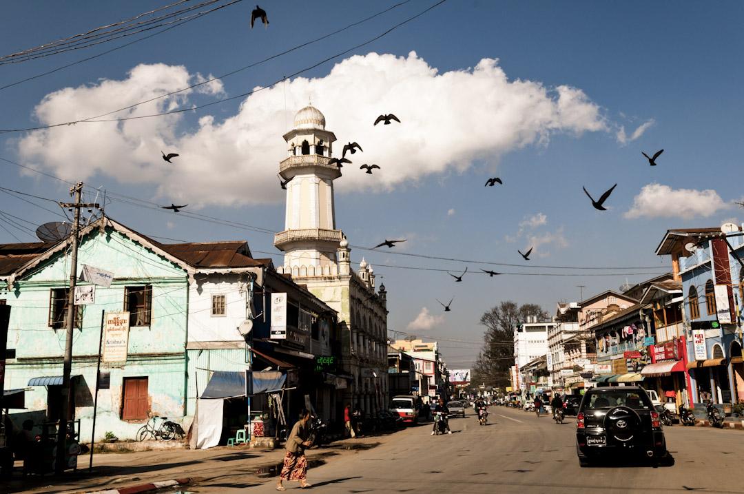 臘戍是一個樸素的小鎮,傣族(撣族)和華人的數量旗鼓相當,尤其不少自中國而來的新淘金客,雲南話和普通話充斥街頭,畢竟這裏距離中國的畹町已經只有130公里了。 攝:Mohr/ullstein bild via Getty Images