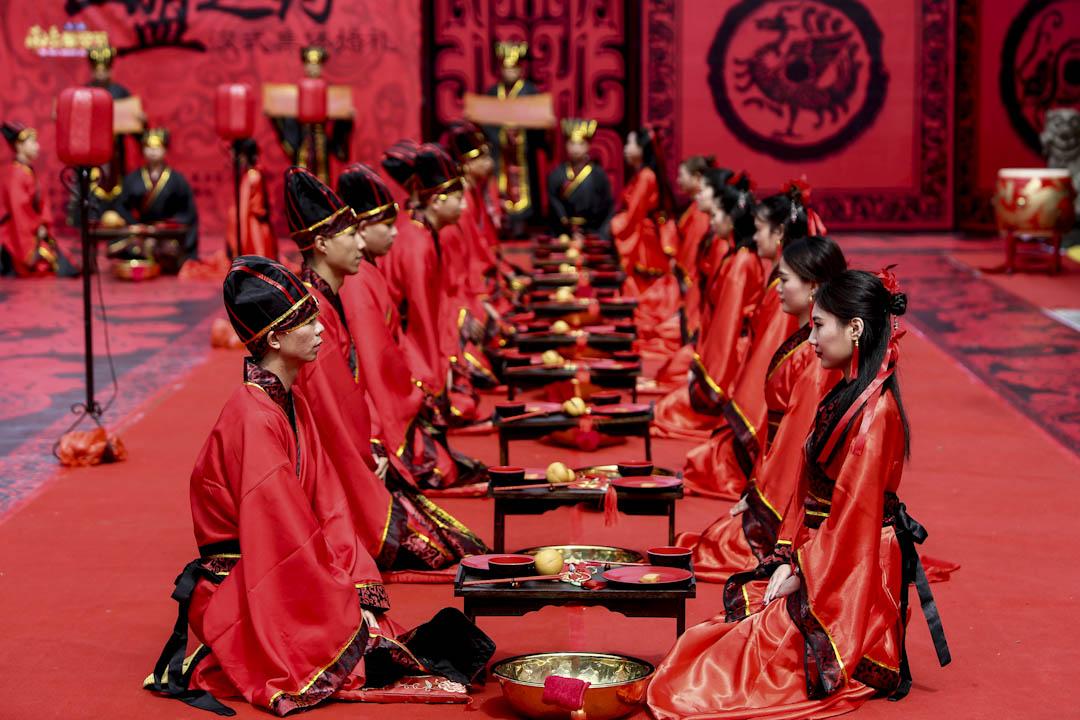 2017年8月28日,七夕,在中國湖南省衡陽市舉行傳統漢代風格的團體婚禮。