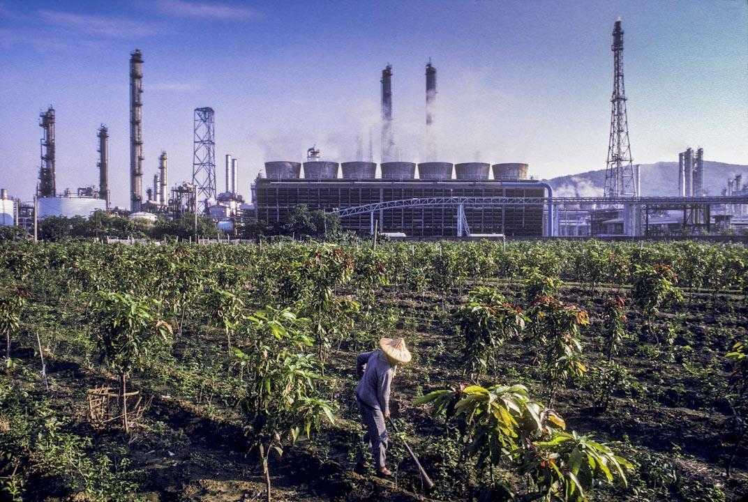 圖為高雄煉油廠,約攝於1988-1990年間,現已關廠。 攝:Corbis via Getty Images