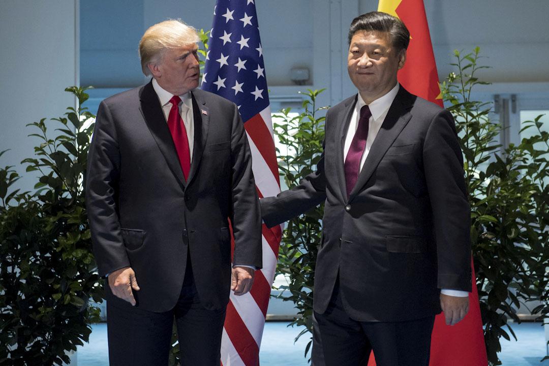 2017年7月8日,美國總統特朗普和中國國家主席習近平在德國漢堡舉行的二十國集團首腦會議期間舉行會議。